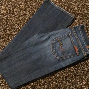 7 for all mankind bootcut. Size 28.
